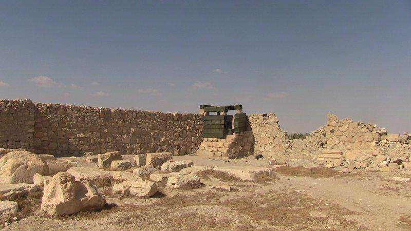 Остатки российской огневой точки внутри периметра комплекса храма Баала. Пальмира, Сирия