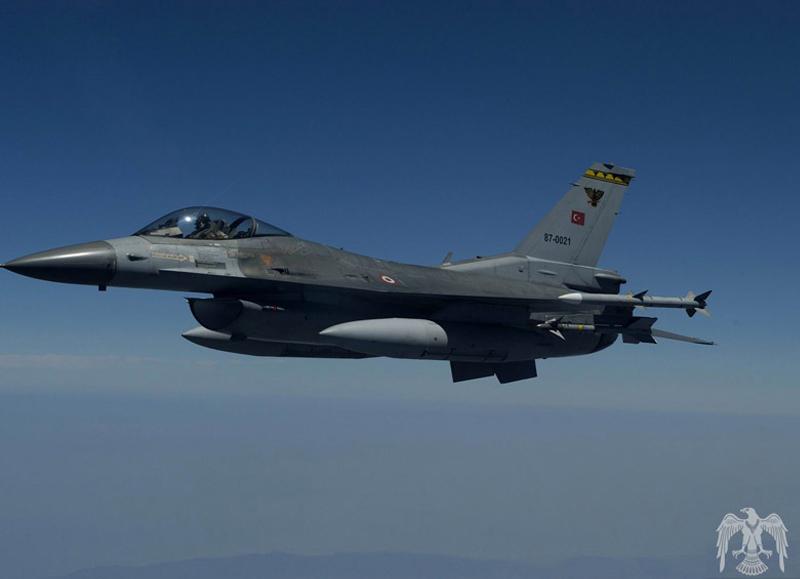 Истребитель F-16 турецких ВВС потерпел крушение вовремя учебного полета