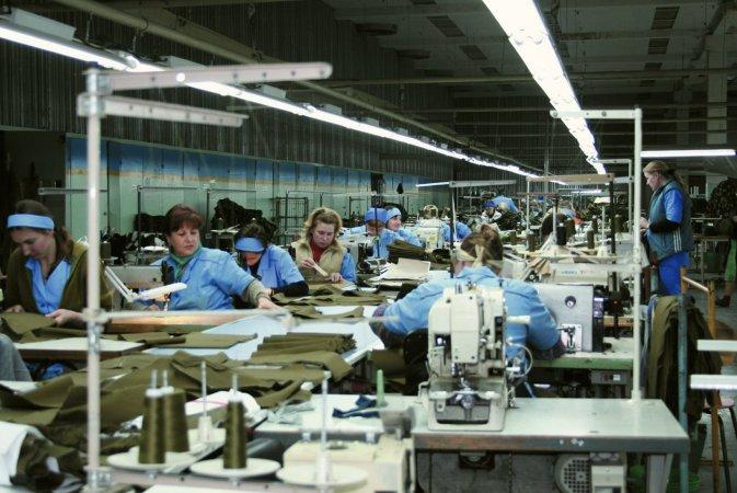 Производство форменного обмундирования на современном швейном оборудовании
