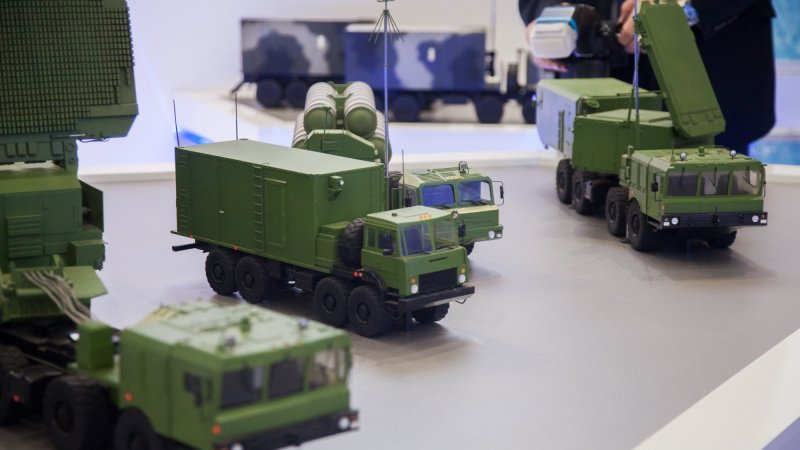 """Модель зенитного ракетного комплекса С-400 """"Триумф"""""""